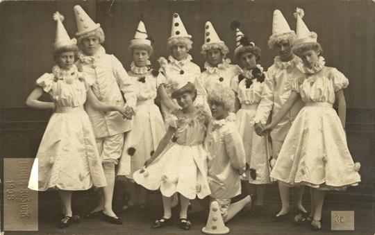 blohm-kostueme-ak-1908-bearb-Kopie