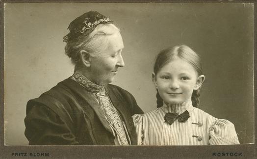 blohm-oma-enkel-1908-cdv-bearb-Kopie