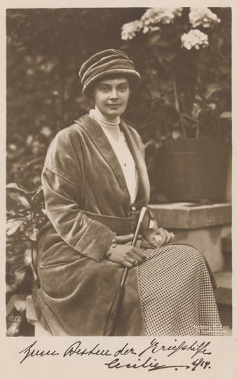 Kronprinzessin Cecilie, fotografiert von Ferdinand Esch; Postkarte