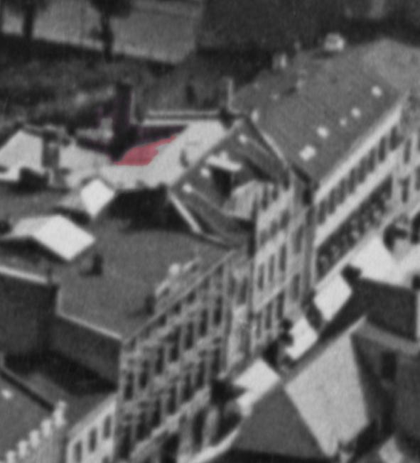 Kröpeliner Straße 38-40. Ausschnitt auf einer Luftbildaufnahme von ca. 1920. Rot eingefärbt das Atelier von Sewohl.