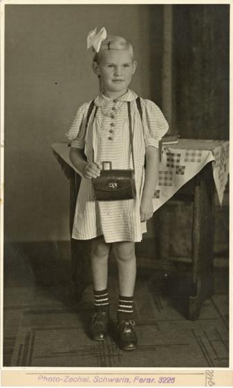Photo-Zechel. Rückseitiger Stempel. Fotopostkarte