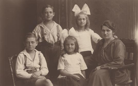 R. Zinzow Nachf.; Prägung unten rechts, Fotopostkarte