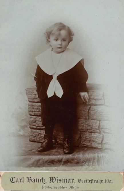 Carl Bauch; Großformat; hinterlegter Karton nicht abgebildet; rückseitiger Namensaufkleber