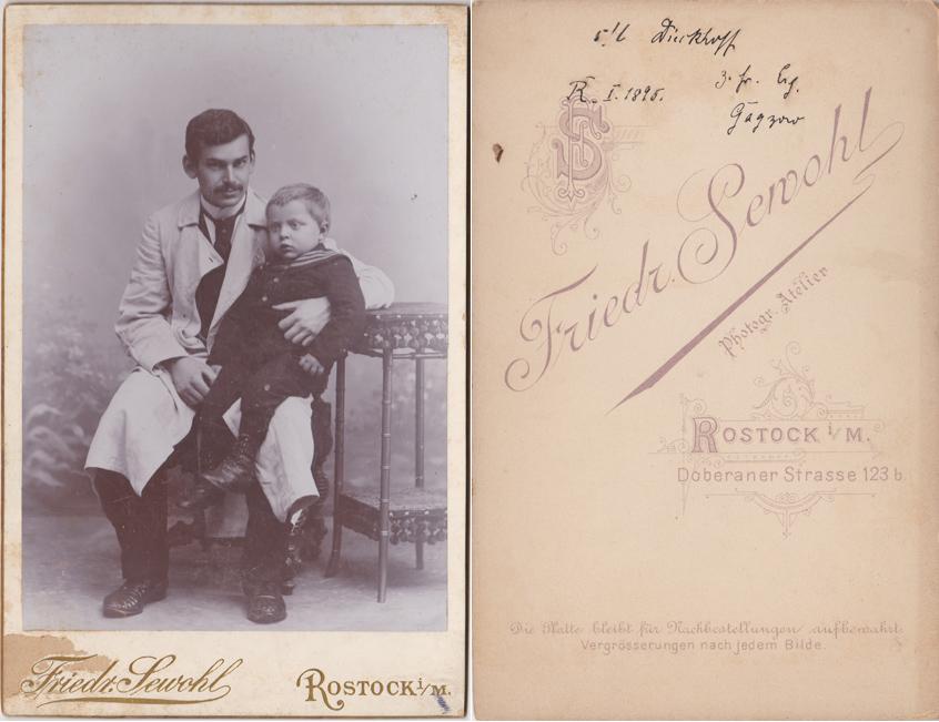 Richard Gagzow mit Kind, 1895. Fotograf: Friedrich Sewohl, Rostock