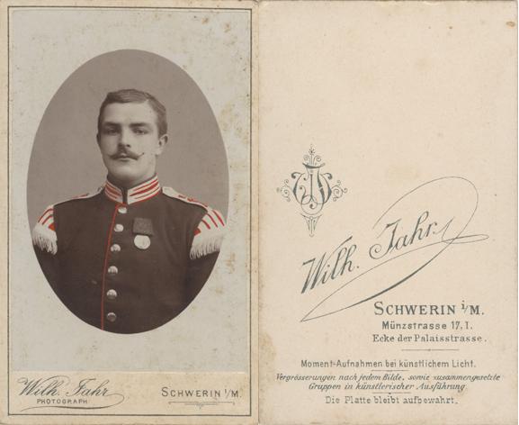 Wilhelm Jahr. Münzstr. 17. 1886-1900. Visitformat. koloriert