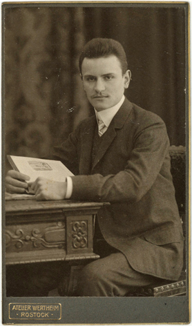 Rückseitig datiert: Weihnachten 1907