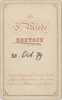 A5 Rückseite eines Visitformats; ohne Atelierbezeichnung des Ateliers; ab 1870er Jahre, wahrscheinlich parallel zu A4