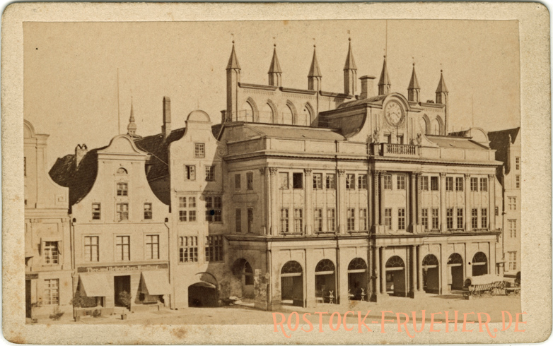 Rathaus;handschriftlich 1879 datiert; Visitformat; Rückseite siehe A5