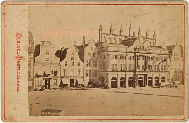 Rathaus; handschriftlich 1877 datiert, Kabinettformat, Rückseite blanko