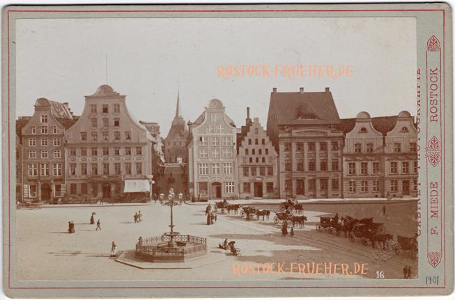 """Neuer Markt, Südseite, um 1890; unten rechts Prägung """"H.Koch 1901"""" und Nummer """"16""""; Kabinettformat; Rückseite blanko; © Sammlung Jörg Utpatel"""