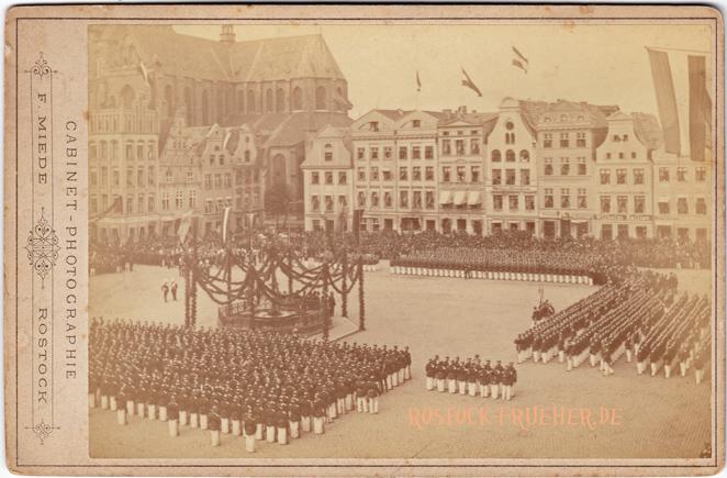Neuer Markt, Nordwestseite, 1883/84, Kabinettformat, Rückseite blanko, © Sammlung Jörg Utpatel