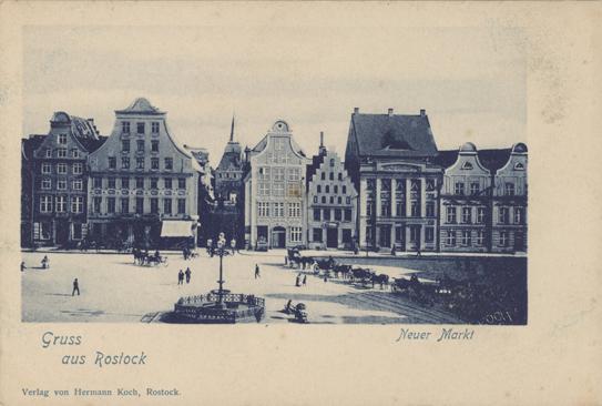 Gruss aus Rostock. Neuer Markt. Ansichtskarte; rechts unten im Motiv ist die Prägung von Koch erkennbar. Verlag von Hermann Koch, Rostock.