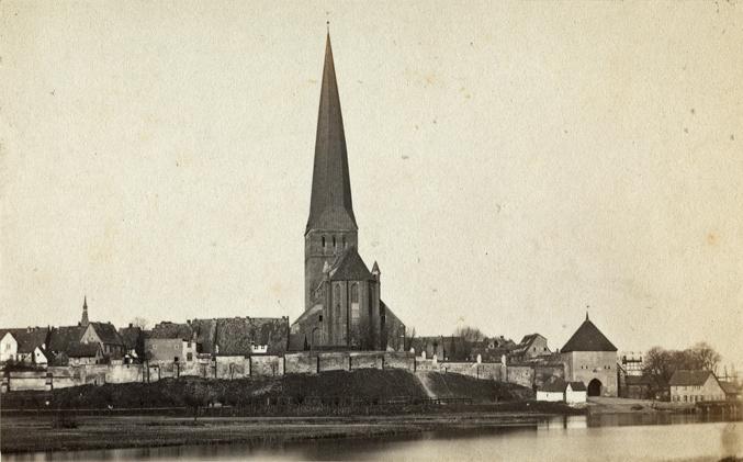 St. Petri, 1860er Jahre, Visitformat, Rand beschnitten, Rückseite siehe A1