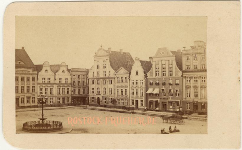 Neuer Markt, Südwestseite, 1860er Jahre; Visitformat, Rückseite siehe A1