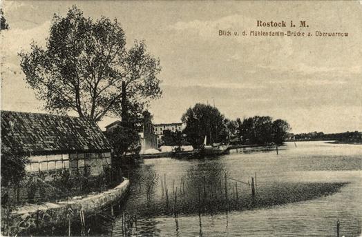 Blick von der Mühlendamm-Brücke auf die Oberwarnow