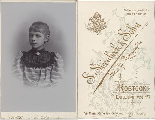 Visitformat, rückseitig oben rechts der Hinweis auf die Silberne Medaille 1892