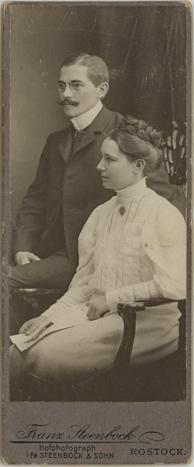 Hochzeitsbild eines Rostocker Oberlehrers und einer Kaufmannstochter von 1907, Prinzessformat, Rückseite blanko