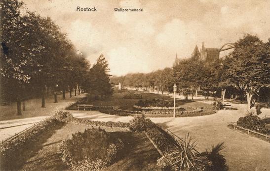 Rostock. Wallpromenade. Rückseitiger Aufdruck: Verlag Franz Steenbock, Hofphotogr., Rostock. Ansichtskarte, 1925 gelaufen.