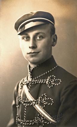 rechts unten Prägung: Eggers. Rostock. Rückseitig handschriftlich 1932 datiert