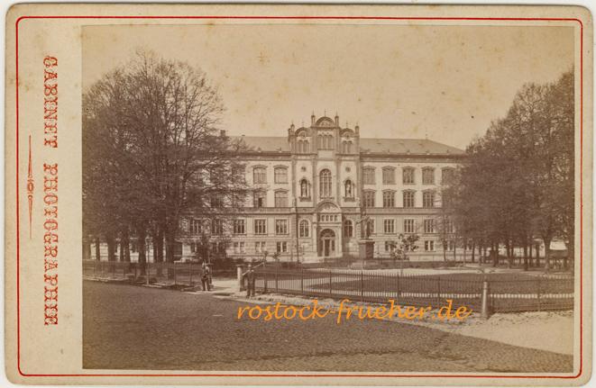 Universität; um 1880, Kabinettformat, Rückseite siehe A3