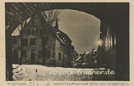 Nachtaufnahme beim Schwibbogen. 1917 datiert