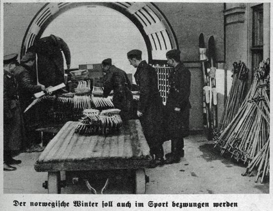"""Aus: """"Wehrbetreuung in Norwegen."""" Bildreportage in der Wochenendbeilage des Rostocker Anzeigers, 15.12.1940"""
