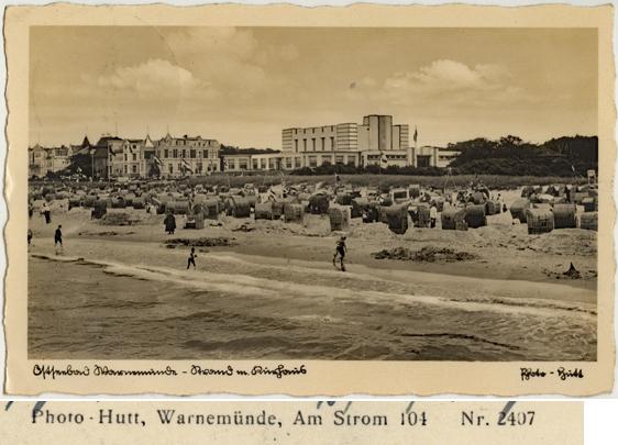 Strand mit Kurhaus. Ansichtskarte, 1937 gelaufen